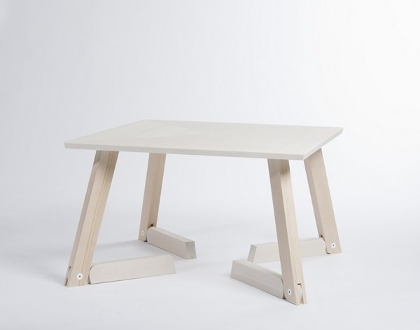 2nd-Prize-Bambi-Table-by-Caroline-Olsson-3-Copiar